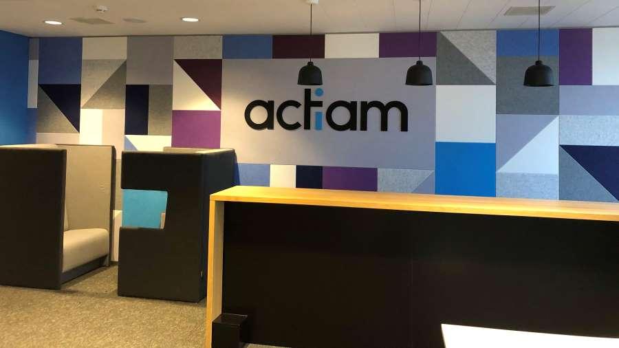 Inrichting kantoor Actiam met duurzame viltwand